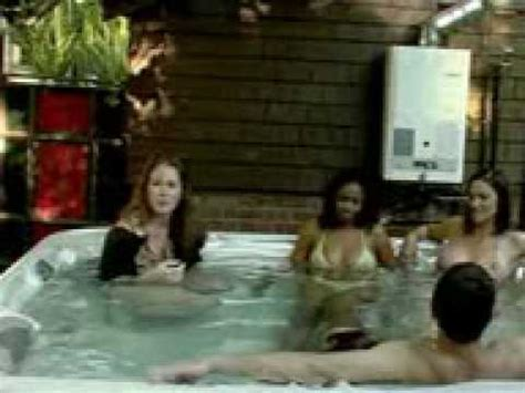 chick shits in hot tub - YouTube