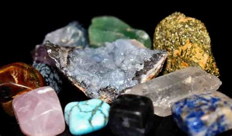 What are the minerals and Gems that found in the Igneous