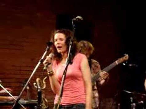 What I Am (live in Dallas 2006) Edie Brickell - YouTube