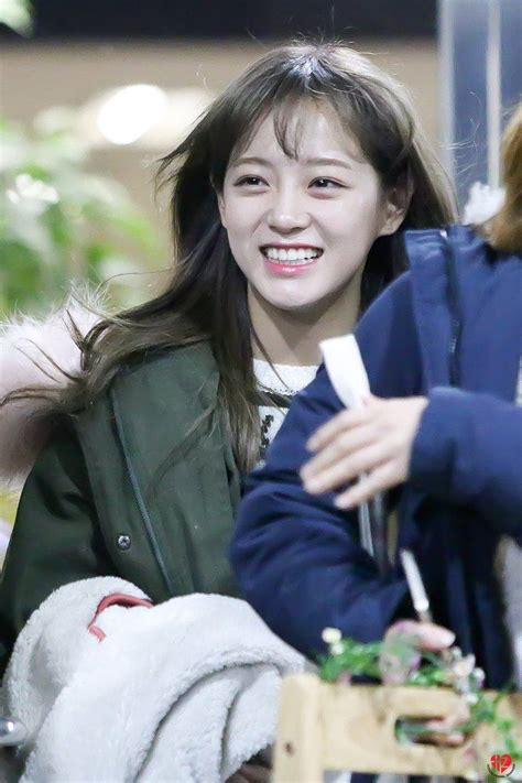 Sejeong Looks Just Like This Famous Japanese Actress From